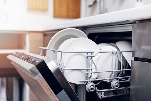 Fyll opp oppvaskmaskin og vaskemaskin