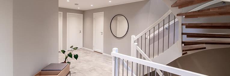 Artikkel om oppussing og renovering av entree og trappegang