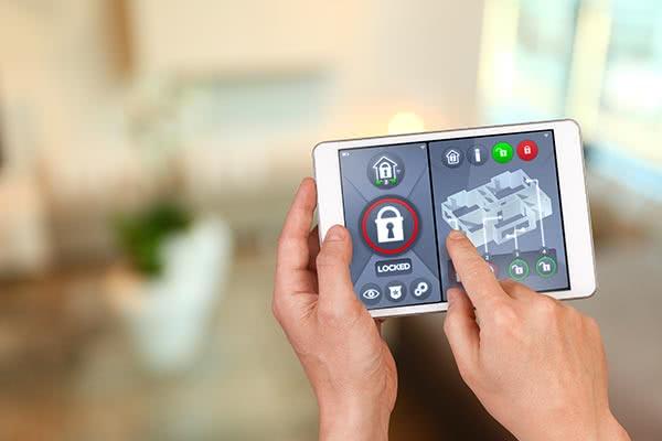 Alarm i smarthus - bygg din egen sikkerhet