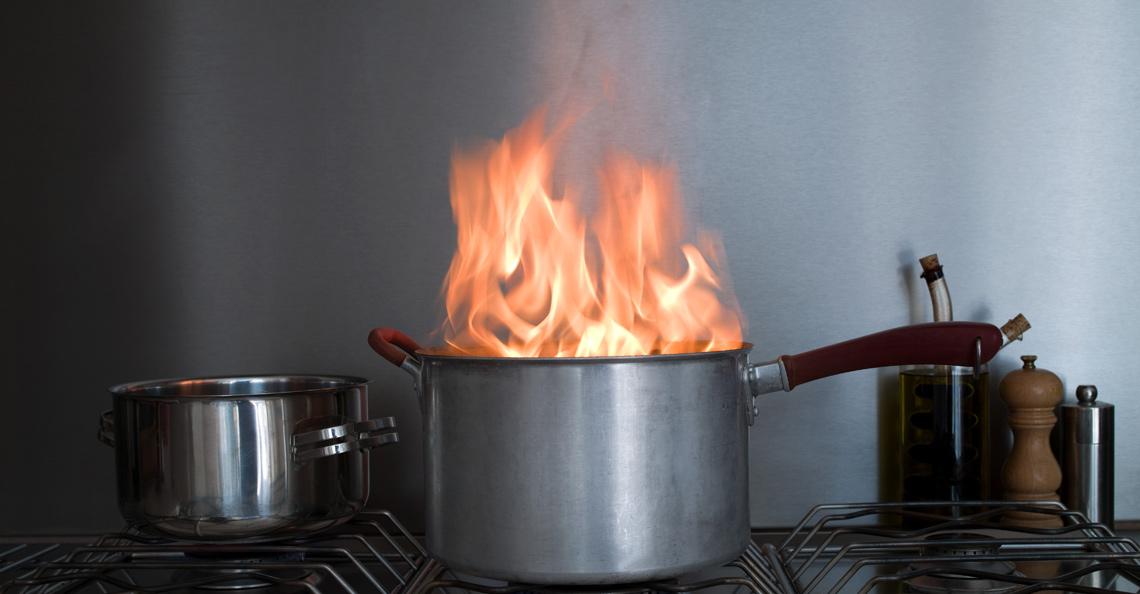 Komfyrvakt er en enkel sikkerhet der flammer kan oppstå