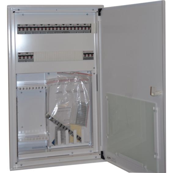 Sikringsskap ferdigkoblet med svakstr�msfelt 230V